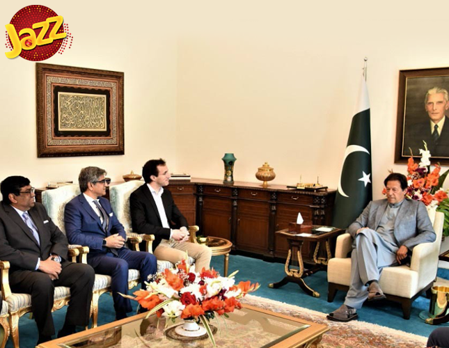 Visits Pakistan, Meets with PM Imran Khan